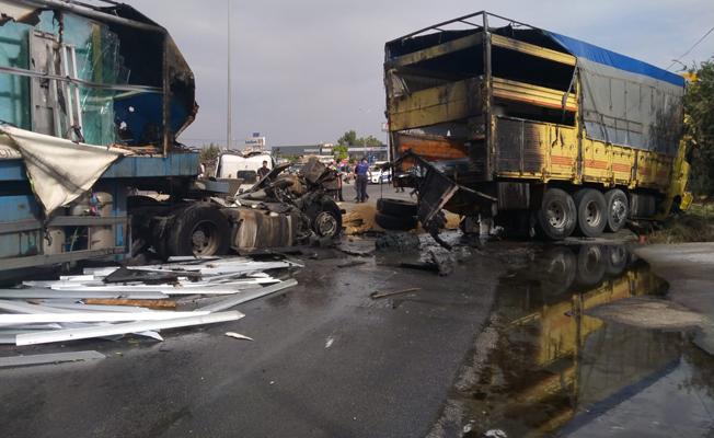 Tarsus'ta Zincirleme Trafik Kazası