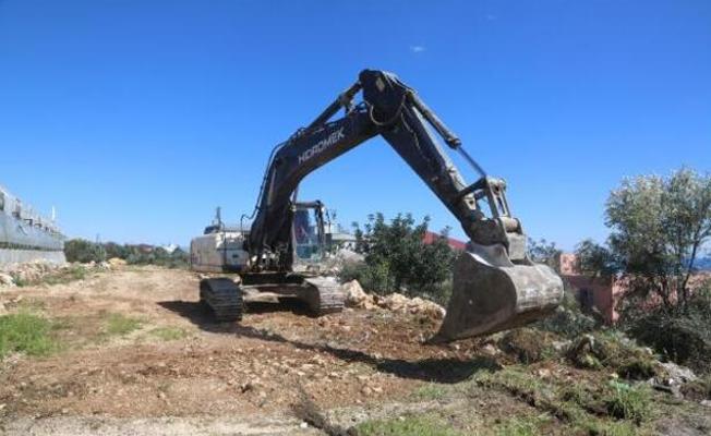 Erdemli Belediyesi, Üreticinin Önündeki Engelleri Kaldırıyor